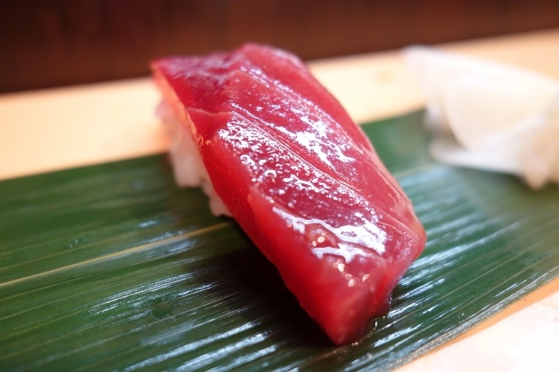 Okame, maguro-zushi