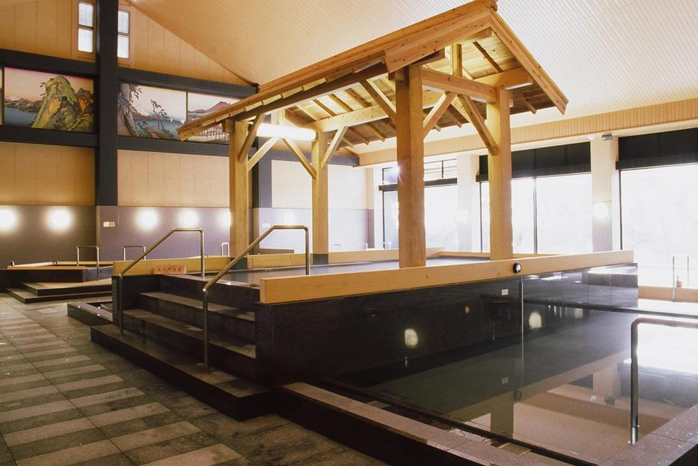 Ooedo-onsen monogatari bath