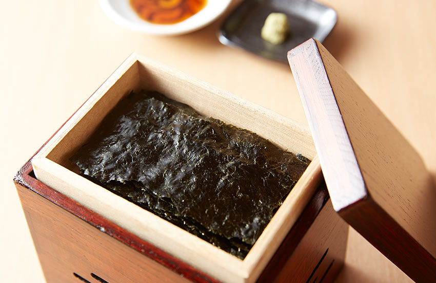 Yakinori - warmed nori sheets in a wooden box