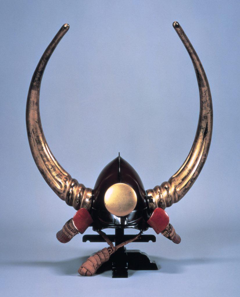 water buffalo horns helmet, 黒漆塗桃形大水牛脇立兜