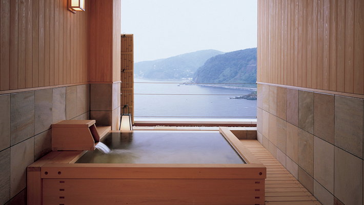 Hinoki Rotenburo, open bath made of Japanese cypress