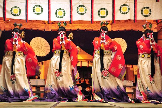 Miko Mai in Ofune Matsuri at Hotaka-jinja Shrine