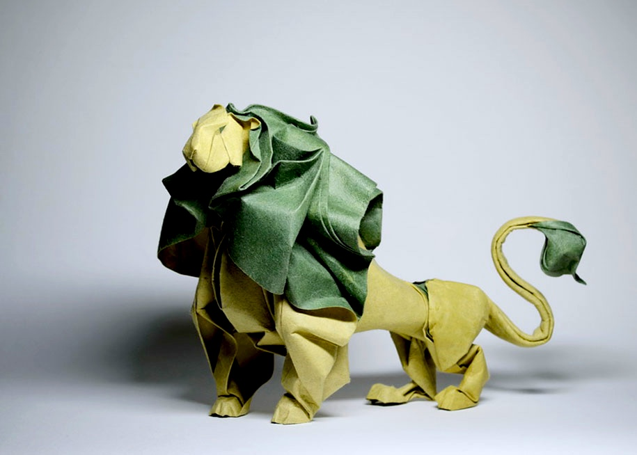 Wet-folding Origami Lion Byhoang Tien Quyet in Vietnam
