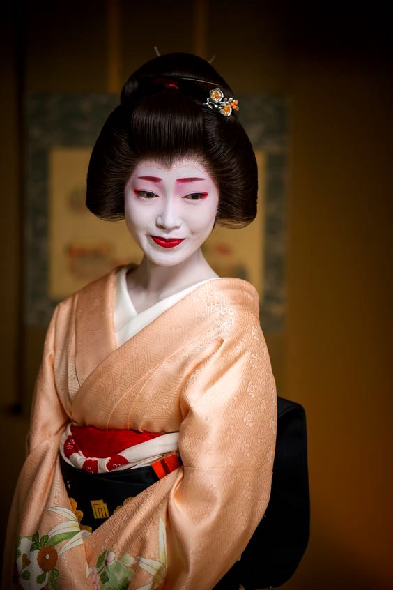 Geisha (Geiko) Hairstyle - Shimada with pale orange kimono - Japanese Patterns of Design