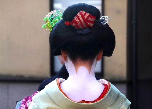 Maiko Hairstyle - Ofuku with pale green kimono