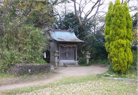 Shinboku Shrine in Awaji Island