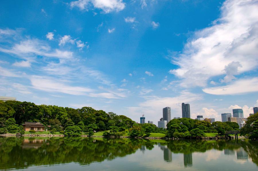 Hamarikyu Garden in Tokyo, Japan, PHOTO BY yuichistry on Photohito