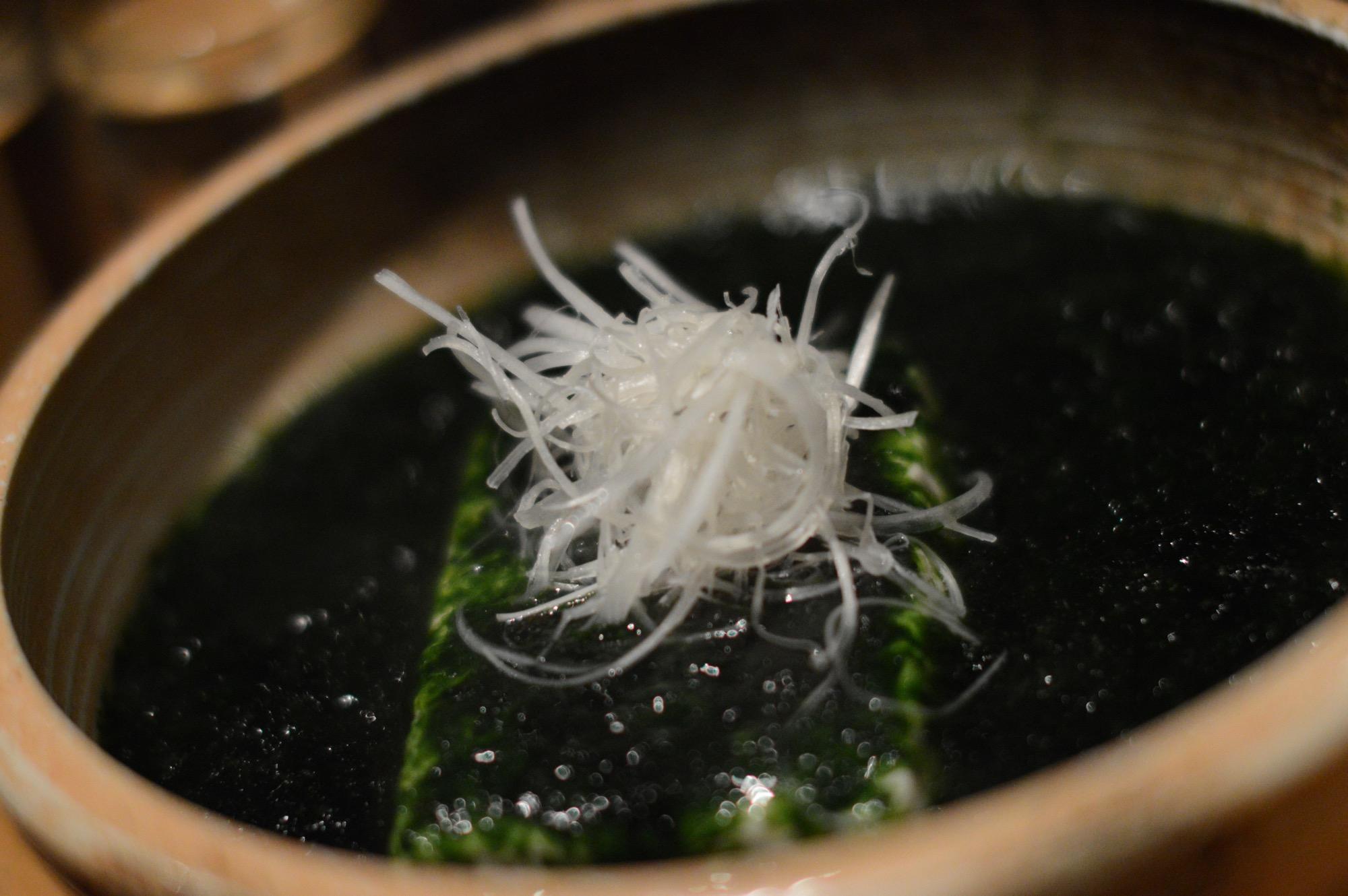 Aonori Dofu, Tofu soaked in green laver soup